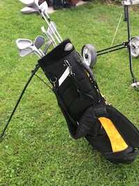 Men's right handed golf clubs with black and yellow bag-new price Delhi
