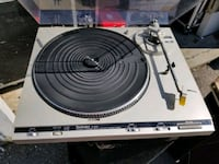 technics turntable with needle Brampton, L6S 2R9