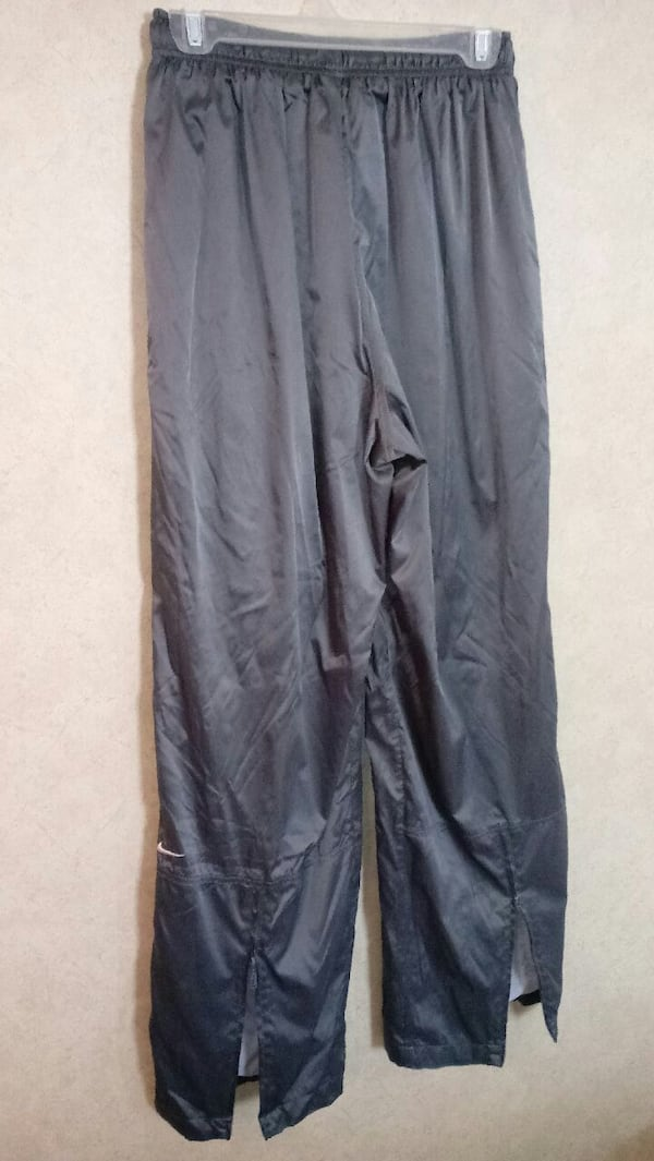 ***YOUTH LARGE (12-14) GREY NIKE ATHLETIC PANTS*** f280ee7f-7890-43f0-b761-03a14c38321c