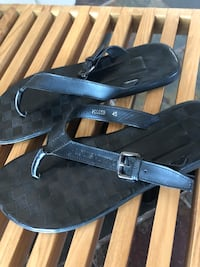 Louis Vuitton flip flops  Vaughan, L4L 2W2