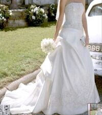 NEW wedding dress with tags attached. Never worn Orange, 92869