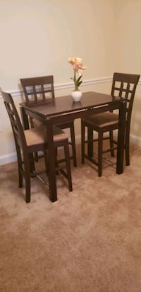 Small dinette table with 3 chairs Alexandria, 22310