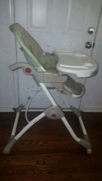 Ingenuity high chair  728 km