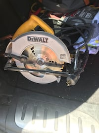 Basically new skill saw dewalt 7 inch blade capacity make an offer just trying to make space in my tool box  Cherry Valley, 92223