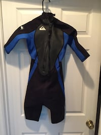 Black and blue Quiksilver wet suit Chesterfield, 63005