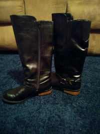 pair of black leather boots North Attleborough, 02760
