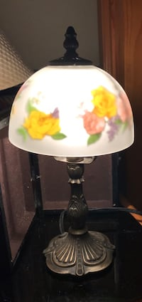 Vintage Tiffany style lamp/desk lamp-frosted glass shade with loral pattern, solid brass base w/intricate carvings- on/off switch built in cord-excellent condition beautiful and works great Galt, 95632