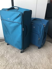 2 suitcases in great condition Burlington, L7L 0J5