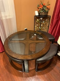 Cocktail coffee table with 4 stools