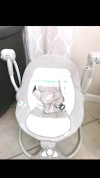baby's white and gray swing Bakersfield, 93309