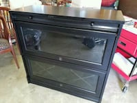 Coaster wine cabinet w light. Retail $800 Woodbridge, 22192