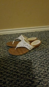 White and brown sandals size 6 1/2great conditions Edinburg, 78539