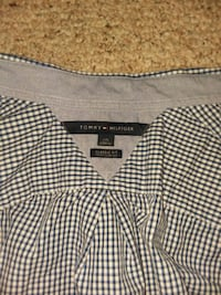 2 Tommy Hilfiger dress shirt size L  Odenton, 21113