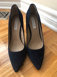 Saks fifth avenue blue suede stiletto pumps  Laval, H7E 5L2