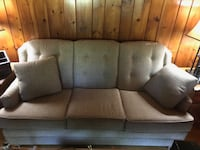 Tan couch Shelton, 06484