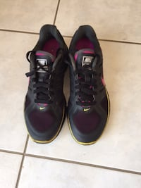Nike running shoes size 8 St. Catharines
