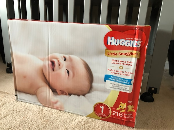 HUGGIES SIZE 1 Little Snugglers Diapers 216 COUNT
