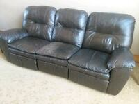 Leather couch set 822 mi