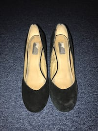 Black suede chunky heels. Freehold, 07728