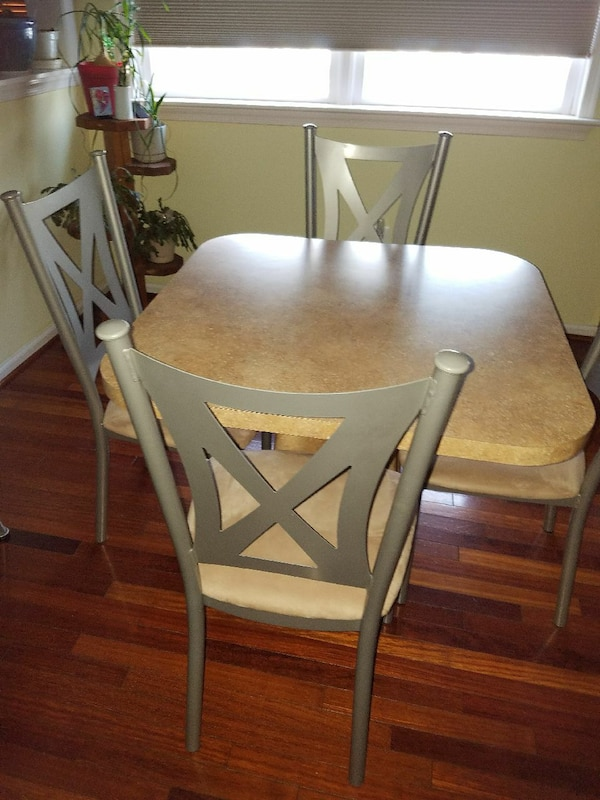 Kitchen Set Custom Made Formica With 4 Chairs