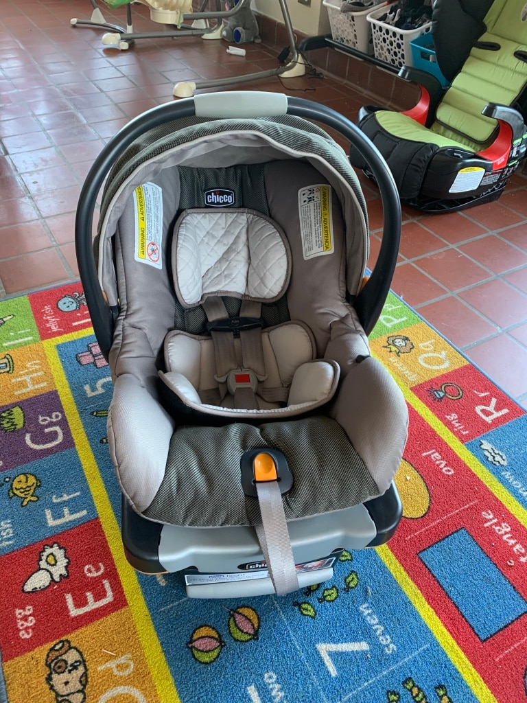 Photo Chicco KeyFit 30 infant car seat with base $60 firm!!!