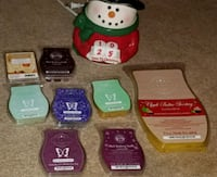 Scentsy warmer with 7 partial bars and brick Calgary, T3K 4M2