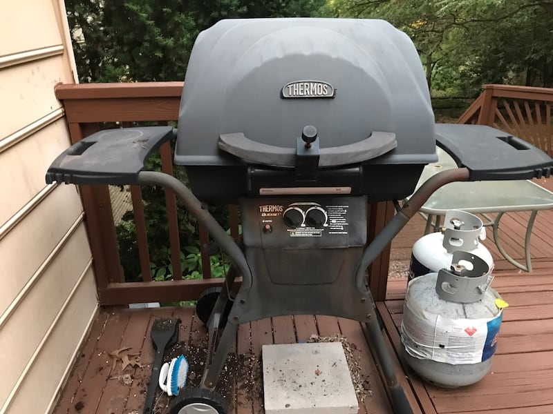 Gas Grill - Available until 10/4 bac40074-14f5-42bf-8c39-23f9dee71601