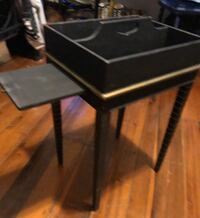Antique table/stand  Walkersville, 21793
