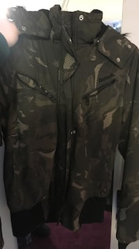 Bench Jacket Size Medium  Waterloo, N2J 2S6