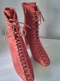 sz 11 Ankle Booties