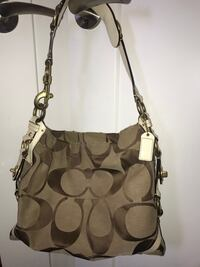 Coach signature shoulder bag medium purse Edmonton, T6V 0G1