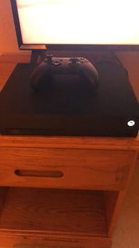 New Xbox One X and Controller Quantico, 22134