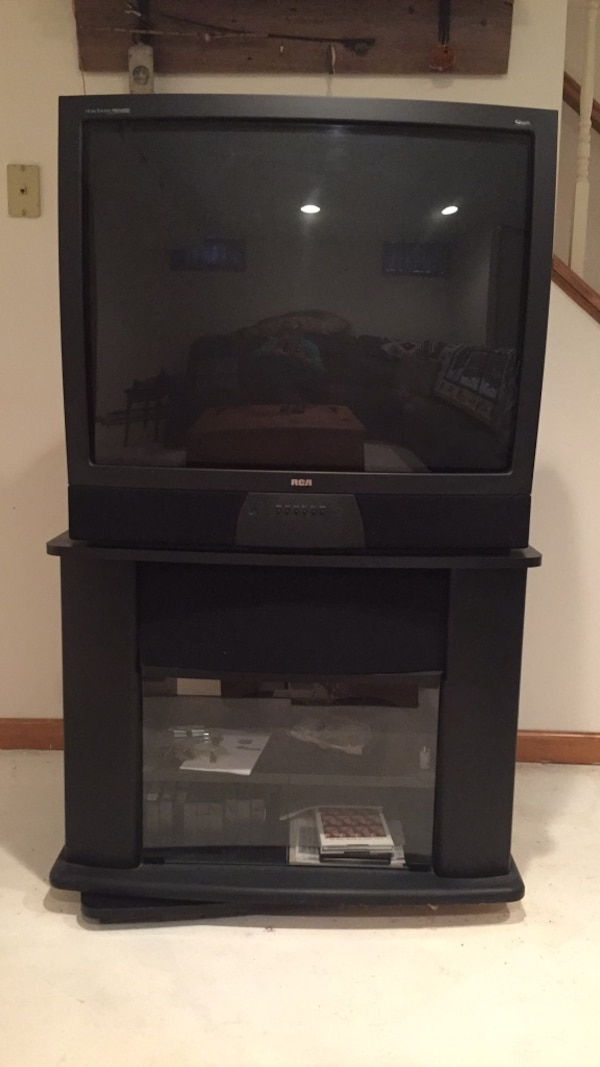 Used Free 36 inch RCA TV with stand  Works great!Need 2