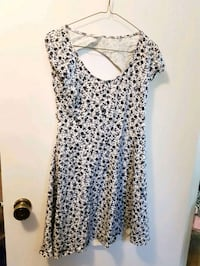 Summer dress with 2 open back areas  Winnipeg, R2J 0M3