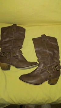 Brown Womens Boots Size 7 Maple Ridge