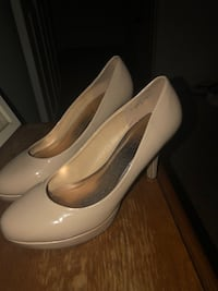 Pair of nude patent leather  Jefferson, 30549