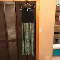 Women's black and green sleeveless maxi dress size: 16/18 Surprise