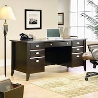 Executive Desk Aldie, 20105