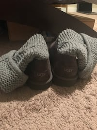 Gray ugg knitted boots
