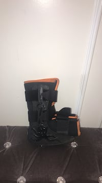 Toddlers air cast boot Calgary, T1Y 2Z1