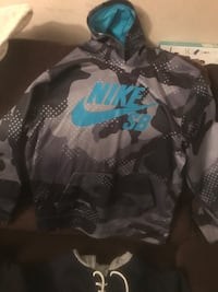 3 Youth Large hoodies Cherry Hill