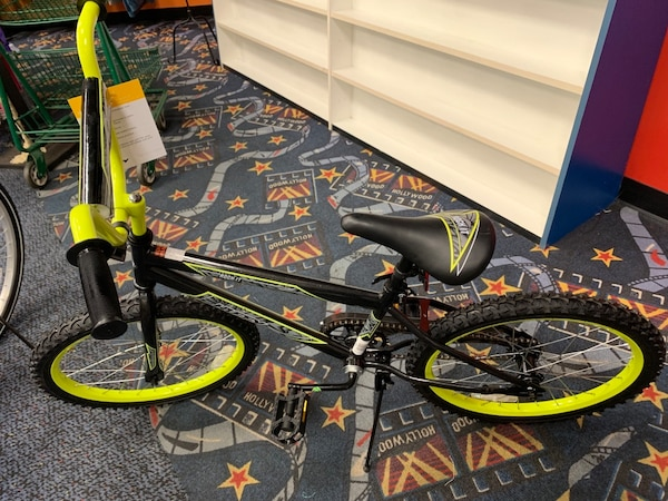 "f763a711f69 Used New 20"" Black & Neon Yellow Huffy Bike for sale in Virginia Beach -  letgo"