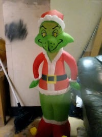 4FOOT GRINCH WHO STOLE XMAS INFLATABLE YARS DECORATION Victoria, V8W 1N3