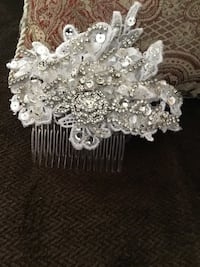 Bridal white hair comb with crystals  Brampton, L6Z 0B4