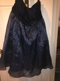 black and gray floral long-sleeved dress Regina, S4T 3R2