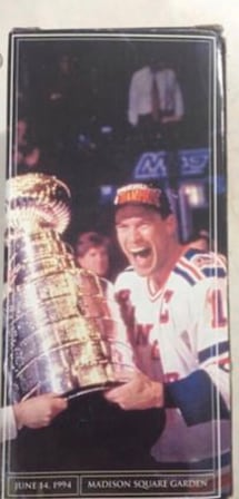 NEW YORK RANGERS MARK MESSIER NIGHT STATUE 1/12/06