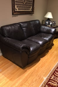 Leather Sofa Set Mississauga, L5C 1A3