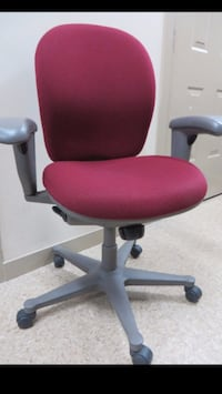 Assorted computer/office chairs