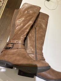 Brand new lexie and Abbie boots  Toronto, M2R 3R8