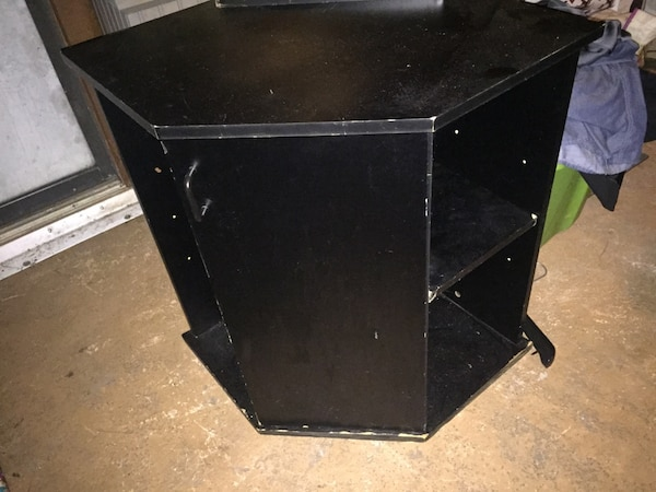 35 gallon corner fish tank with stand and supplies